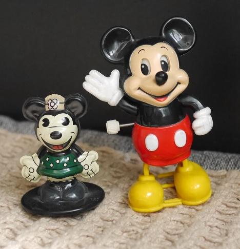 ミッキーマウスとミニーの古いおも者