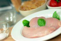 疲労回復因子を増やすイミダペプチド豊富な鶏ムネ肉をやわらくする方法
