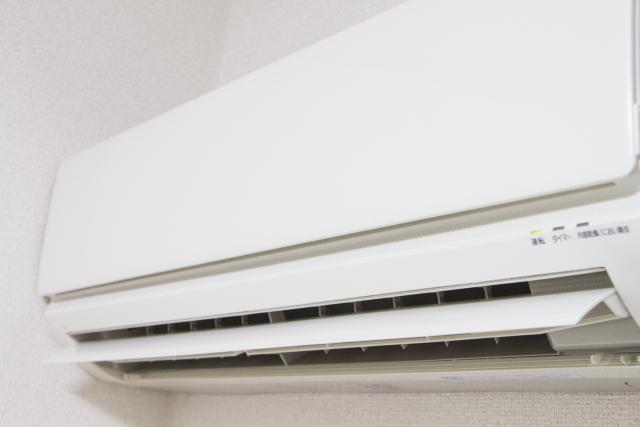 エアコンの臭い取り、業者不要の方法は最低温度で冷房運転1時間するだけ