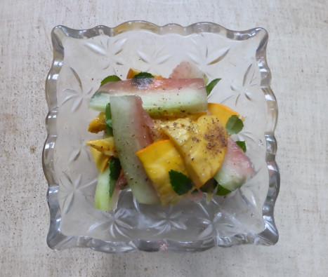 コリンキーと西瓜の甘酢漬け